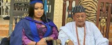 Alaafin of Oyo, Oba Lamidi Adeyemi Supports his Newly Graduating Wife