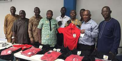 Division Two Middle League: Greater Accra Regional football capo presents kits to referees
