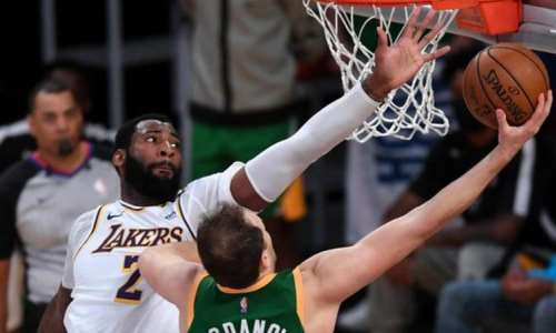 Drummond returned to the Lakers starting line-up after a toe injury to score 27 points and add eight rebounds