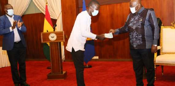 Akufo-Addo Gives Another GH¢1m To Starters
