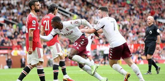 PL: Fernandes misses penalty as Aston Villa win at Man Utd