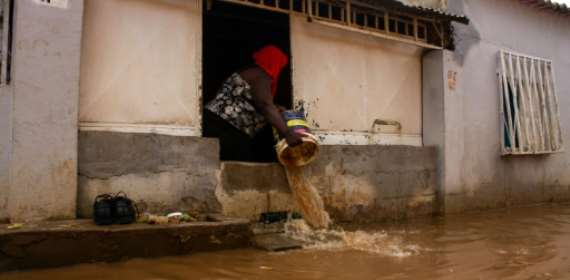 Flash floods kill 14, displace 8,000 in Angolan capital