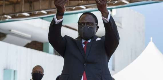 Malawi's new president inaugurated, calls for national sacrif