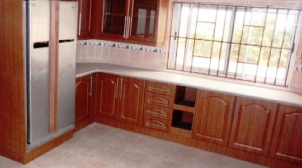 013GH_Full furnished kitchen.jpg