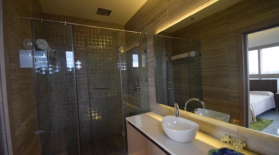 1 BHK bathroom.JPG