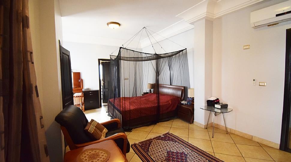 3) Bedroom.jpg