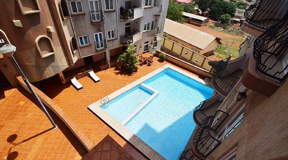 8) Pool.jpg