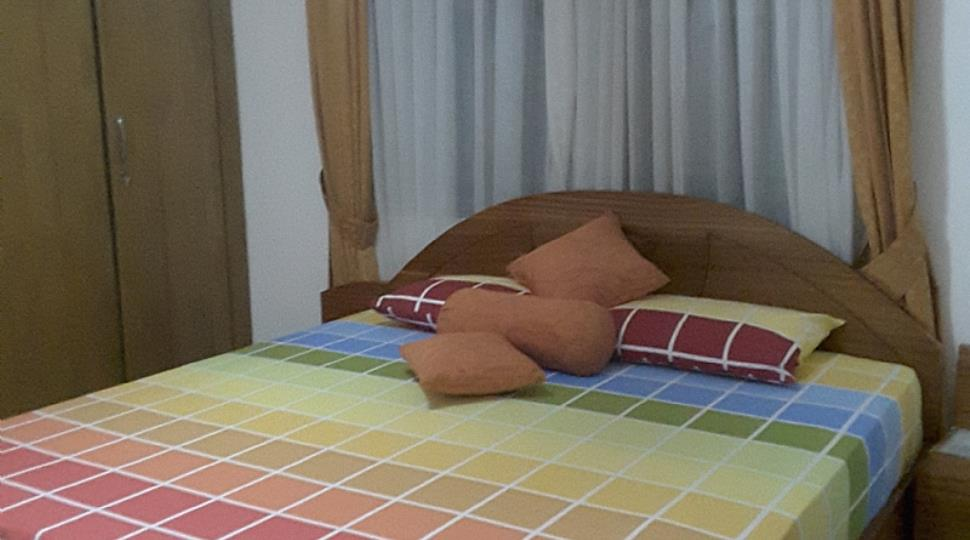 Bedroom 2[2].jpg