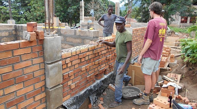 Burnt Clay Brick : Thin brick slices and burnt clay bricks