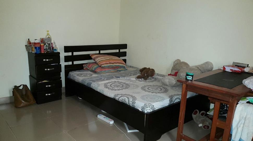 First smaller bedroom.JPG