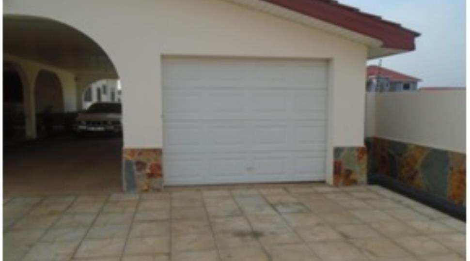 Garage[1].jpg