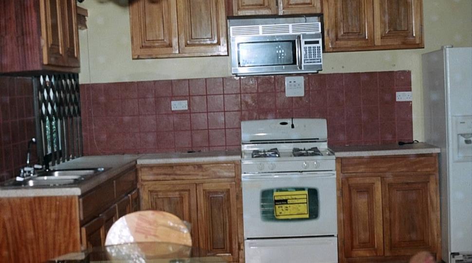 Kitchen[20].JPG