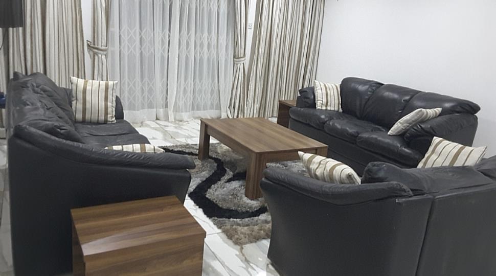 Living Room[4].jpg