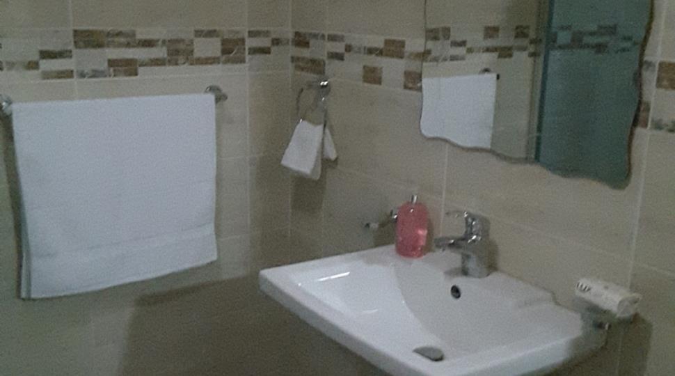 Private Bathroom B.jpg
