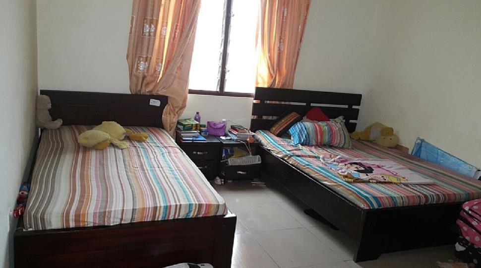 Second smaller bedroom.JPG