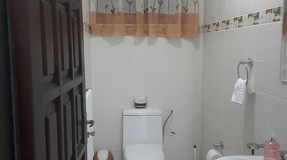 Visitors Washroom.jpg