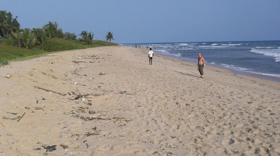 Virgin_Island_Beach_(Sekondi-Takoradi).jpg