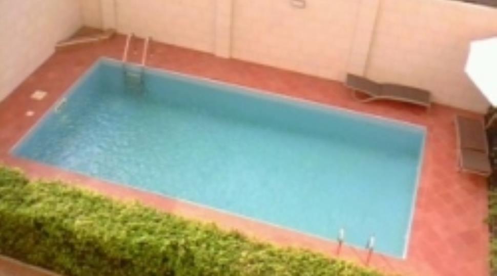 [4]swimming pool resize.JPG