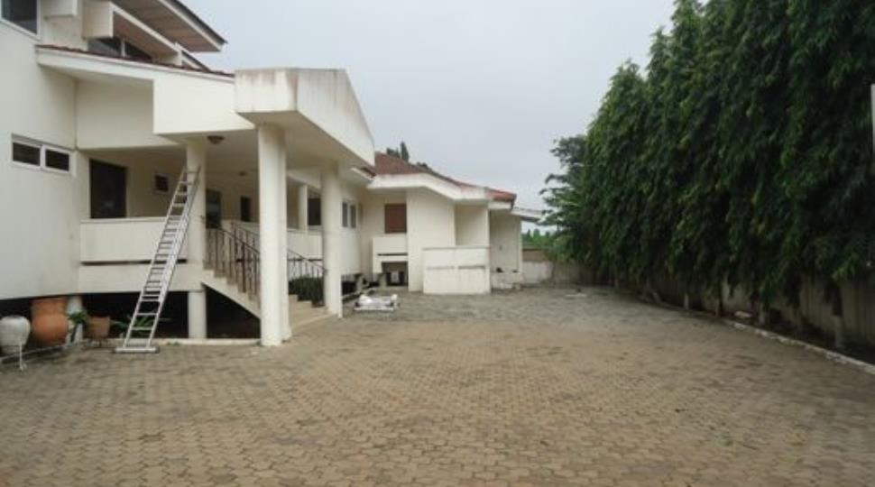 303 3 JPG8 bedroom house for sale in Cantonments  Accra. 8 Bedroom House. Home Design Ideas