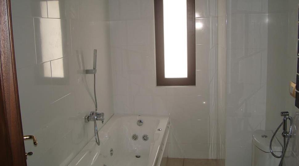 bathroom-sample[3].jpg