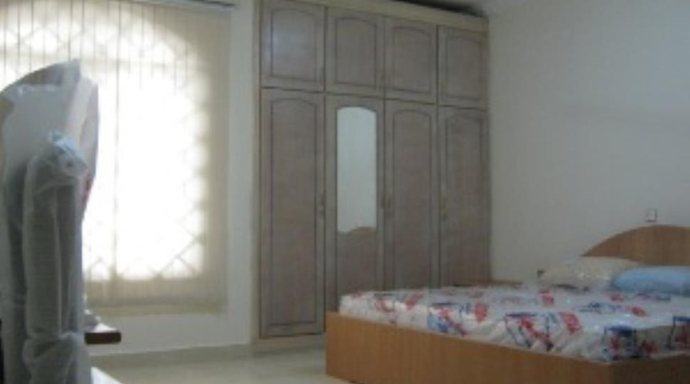 east room.jpg