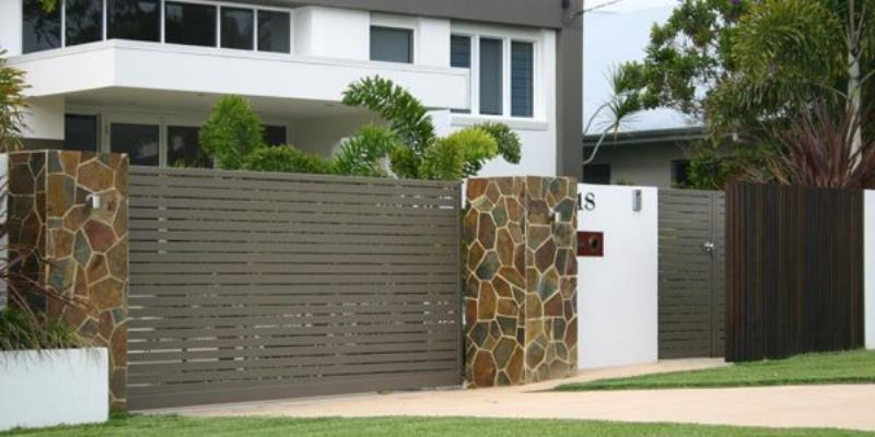 residential-gates-sunshine-coast-600x300.jpg