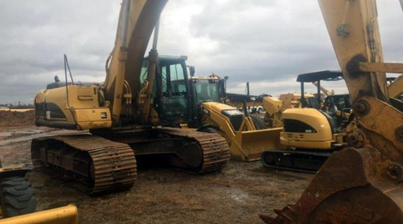 track-excavators-cat-330cl-dky02157-02.jpg