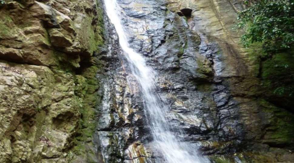 4423_Tsenku-falls.jpg