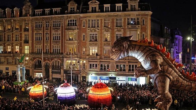 Paris readies for Nuit Blanche carnival of colour