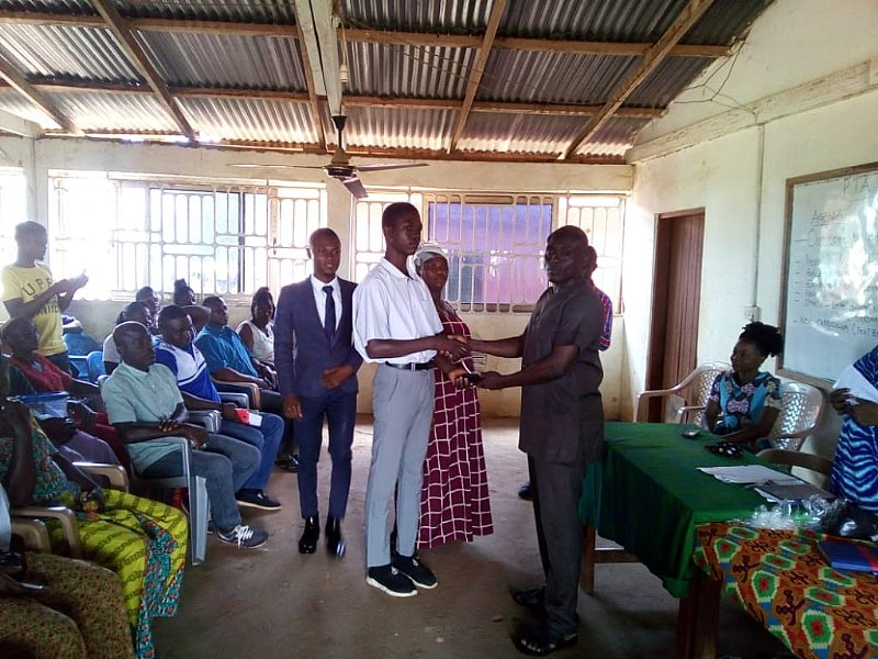 PUSAG Presidential Candidate Awards BECE Graduates With Ghc1000, Other Items