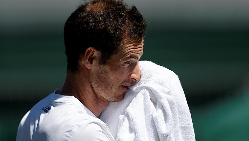 Australian Open: Murray prepares to throw in the towel