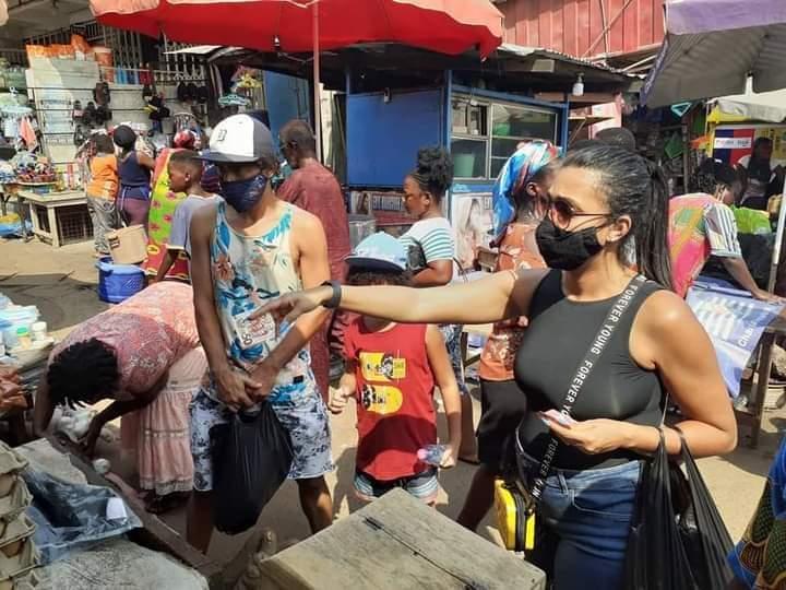 Kotoko midfielder Fabio Gama spotted shopping in Kejetia market with wife [PHOTOS]