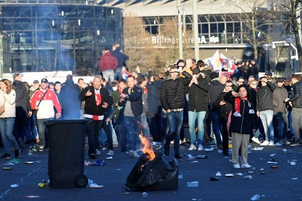 Police Stop 54 Weapon-Carrying Ajax Fans Ahead Of Juve Game