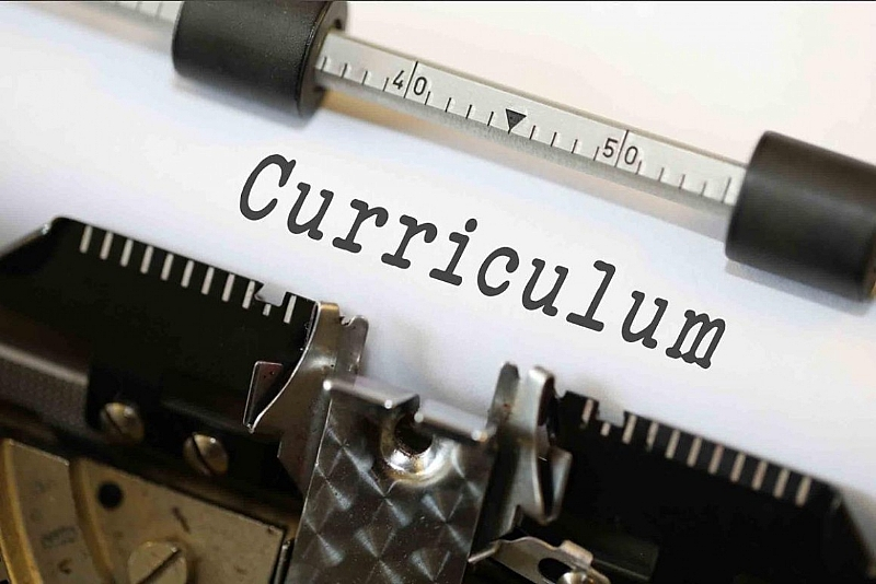 New Curriculum and Current Infrastructural Challenges: Will the Centre Hold?