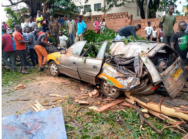 Kumasi: Taxi Driver Killed By Falling Tree On His Vehicle