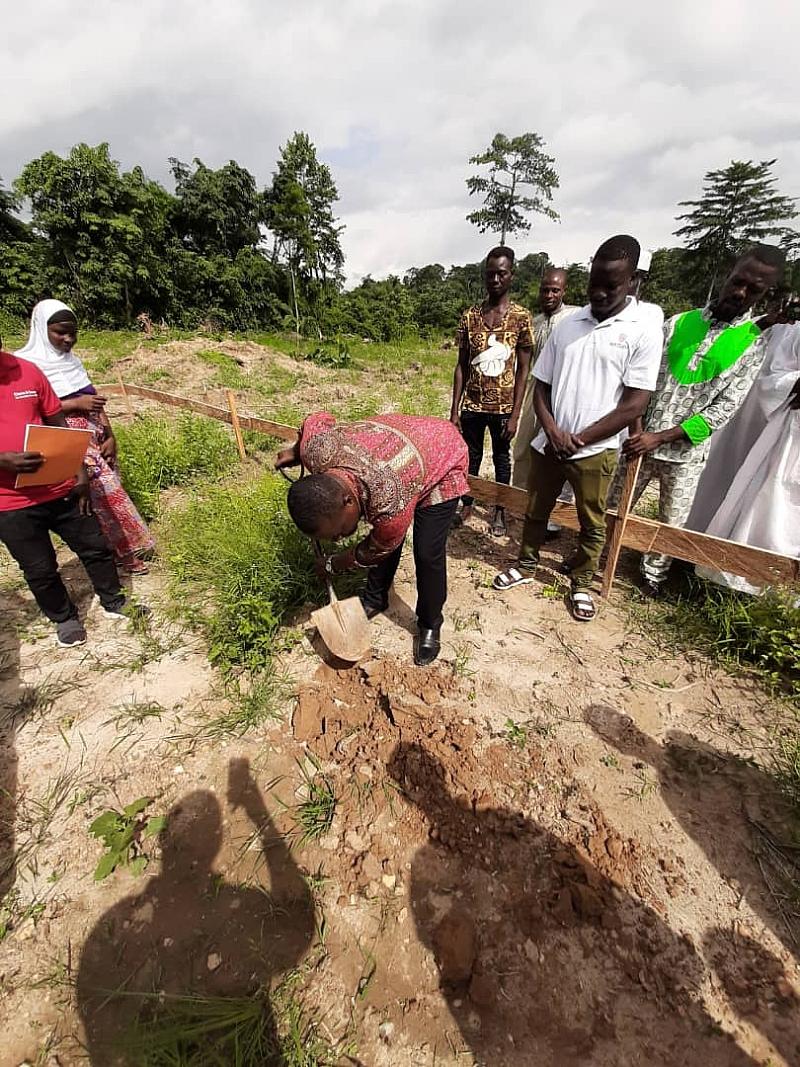 Wassa Amenfi Central:d.c.e.cut Sod For Construction Of School Building.