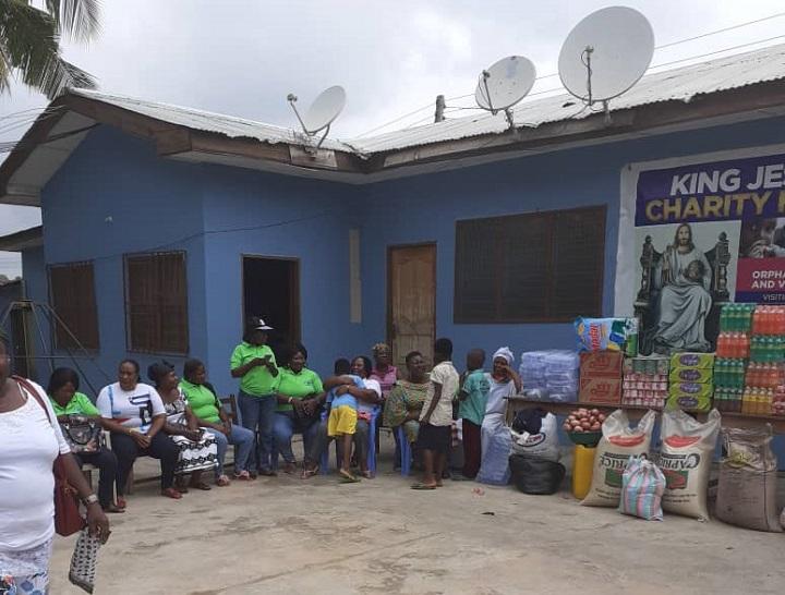 A/R: MMAA NYINAA AY3YIE GROUP donates to orphanage