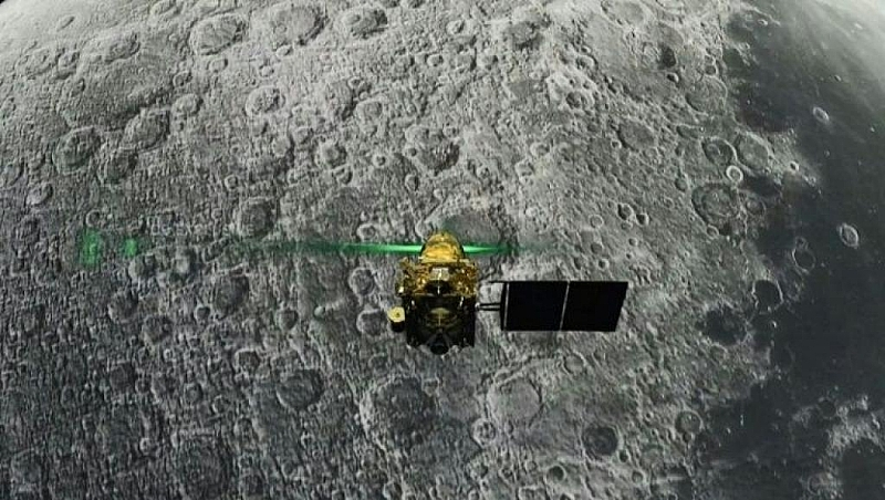India's space agency loses communication with Moon lander