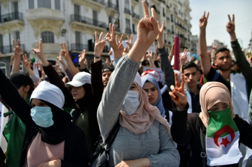 Thousands of Algeria students take to streets for fresh protests