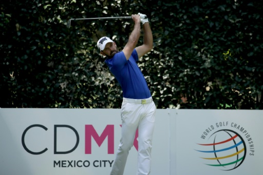 Defending champ Schwartzel hit by ball in pro-am