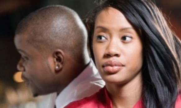 signs the guy your dating has a girlfriend If your new guy honestly seems to think that any disagreement that you have means that you are going to break up with him, that's a surefire sign that he's not too skilled in the whole girlfriend department.