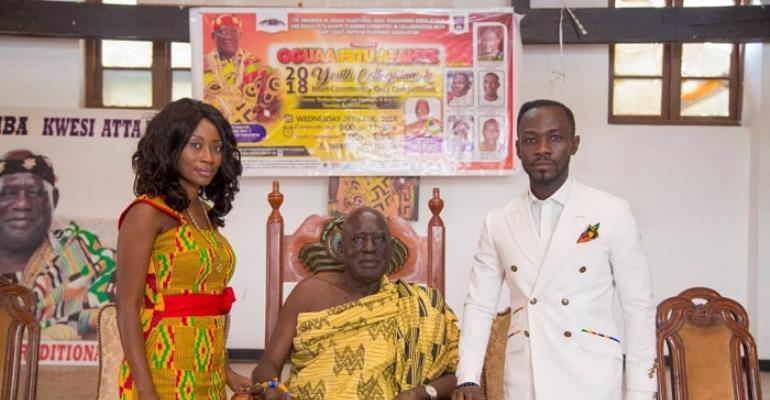 Okyeame Kwame at the chief's palace