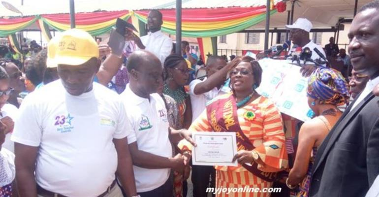 'Class One' Teacher Wins 2017 National Best Teacher Award