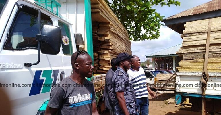 B/A: Security Forces Impound 5 Trucks Loaded With Illegal Lumber