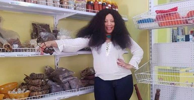Actress, Monalisa Chinda goes Shopping without Makeup
