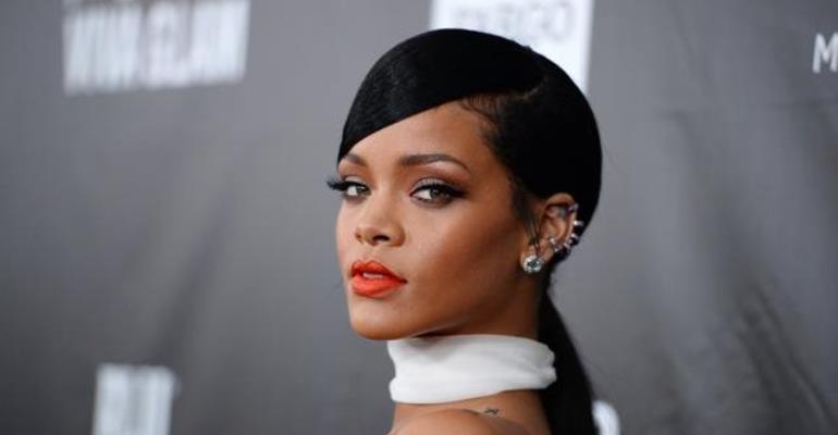 Rihanna Sues Father Over Trademark Dispute