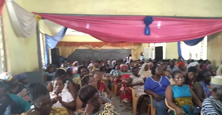 Madina MP Supports 182 Madina Market Women With Soft Loans