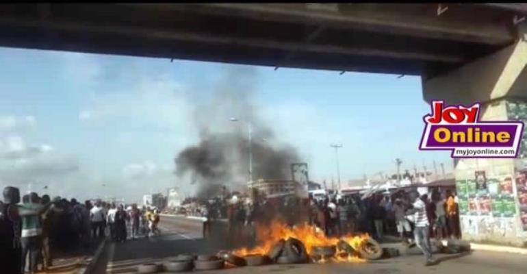 Residents burnt tyres to register their displeasure over the increasing number of deaths on the road