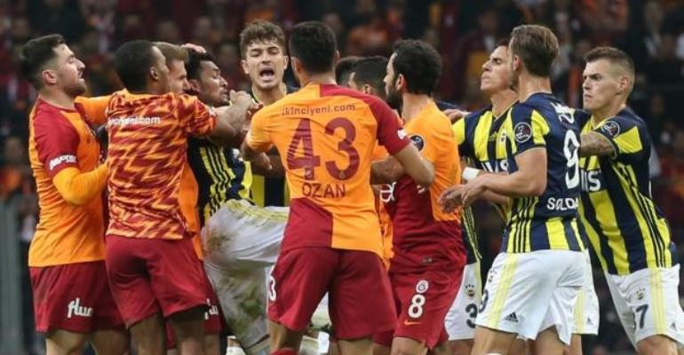 Andre Ayew Escapes An Over Galatasaray-Fenerbahce Brawl