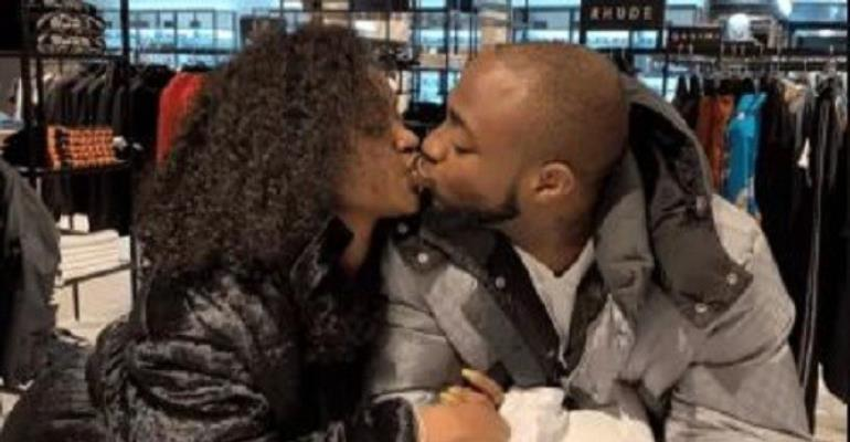 """Davido plants a """"true love's kiss """"on the lips of Chioma"""